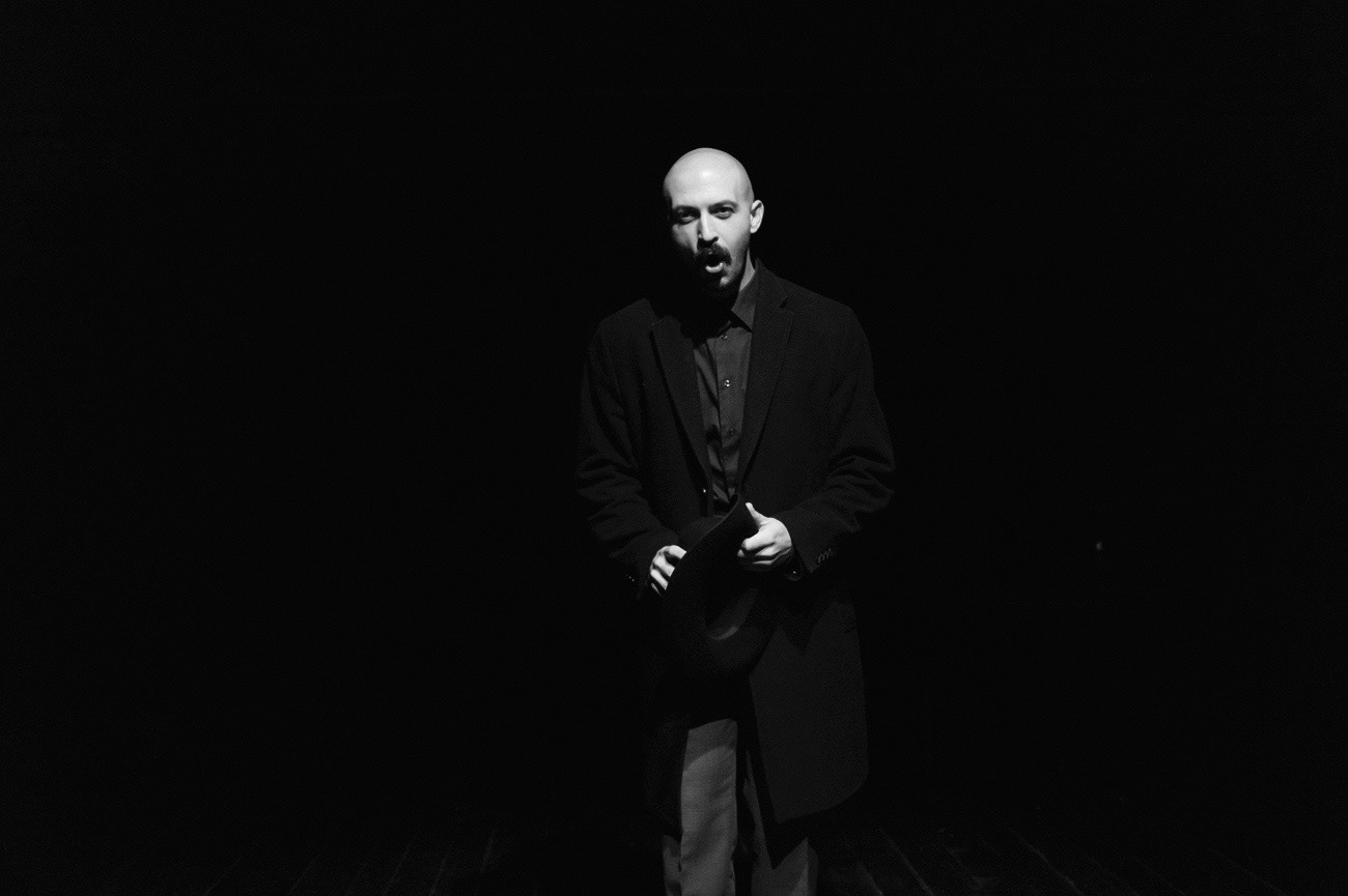 Theatrical photograph of actor on the theatre stage, Tomaž Podbevšek, Ema, Kolektiv ZIZ, Narodni dom Maribor, Maribor, Slovenia
